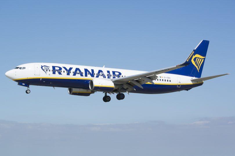 Ryanair oferta 200 puestos de trabajo en Sevilla