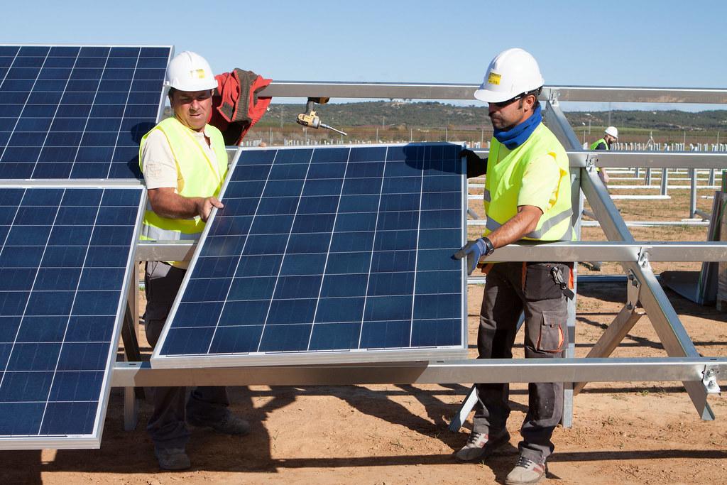 Solaria oferta 4.000 puestos de trabajo